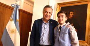 El gobernador de Mendoza destacó el reconocimiento de Misiones al alumno Atilio Hernández por Mejor Promedio y su desempeño como un ejemplo
