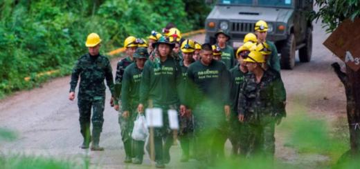 Rescate en Tailandia: lograron salir todos los chicos y su entrenador de la cueva