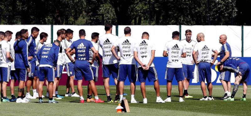 """La frase de Messi a Sampaoli durante el Mundial: """"decime adelante de todos si alguna vez te nombré a alguien para que lo pusieras"""""""