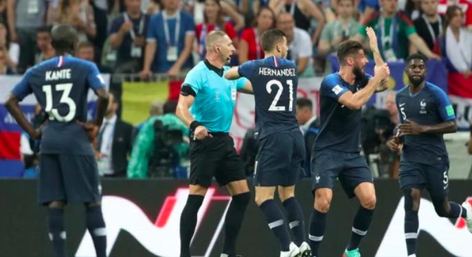 Radiografía de la actuación de Néstor Pitana en la final del Mundial en la que Francia derrotó Croacia