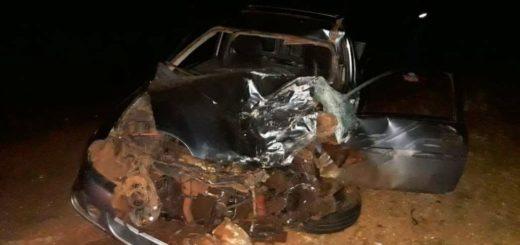 Tres Capones: conductor de un auto murió al chocar con una camioneta