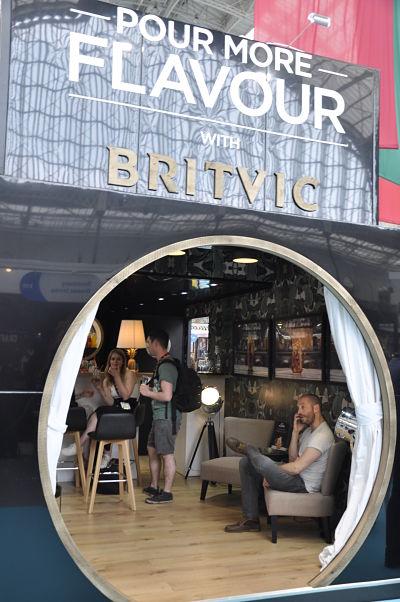 Buscando bebidas con té en Imbibe, la feria de coctelería más importante de Londres