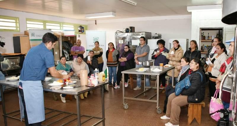 La EBY capacita a emprendedores en producción de panificados