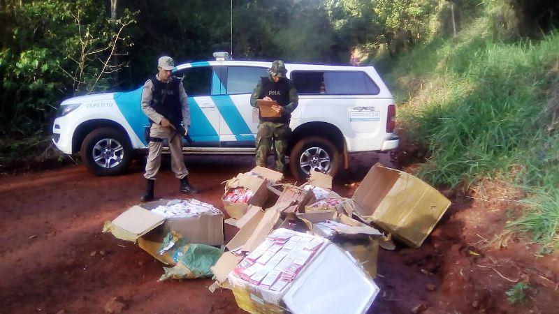 """Operación """"Memoria Clandestina"""": incautaron un cargamento ilegal de tarjetas micro SD valuado en cuatro millones de pesos en Puerto Libertad"""