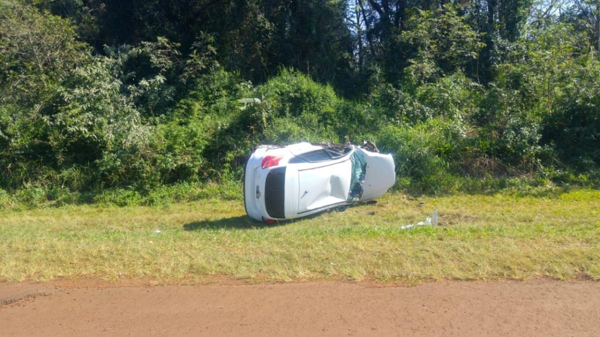 Una mujer de 48 años perdió la vida en un choque frontal entre dos autos entre Capioví y Puerto Rico