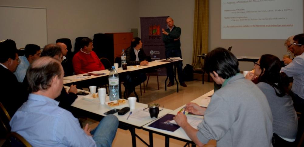 Corrientes: Madereros analizan un prototipo de viviendas de madera propuesto por el gobierno provincial