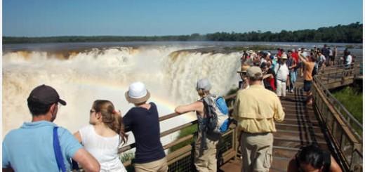 Se espera que un millón de turistas se movilicen este fin de semana largo