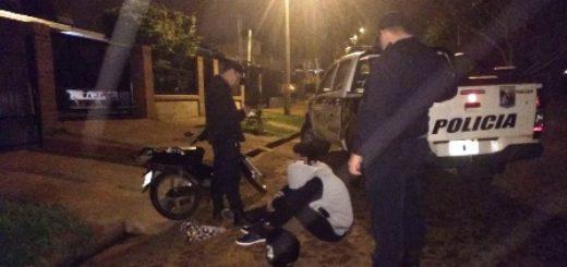 Jóvenes transitaban en una moto robada, atacaron a policías y terminaron en manos de la justicia