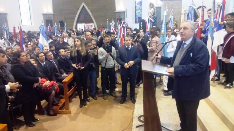 """""""Hoy venimos a decir gracias"""" dijo Passalacqua en acto por la Independencia de la Patria y los 90 años de Oberá"""