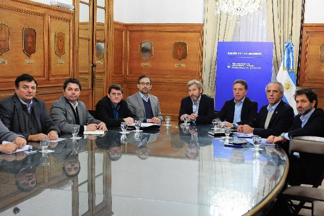 Frigerio y Dujovne se reunieron con los ministros de Economía de Misiones, Neuquén, Río Negro y Santiago del Estero