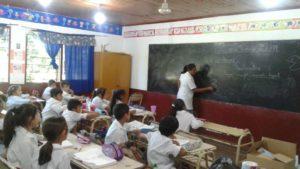 Unos 420 mil alumnos misioneros retornan a las aulas este lunes