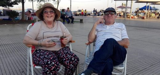 Cientos de familias disfrutaron de una tarde de sol en la costanera de Posadas