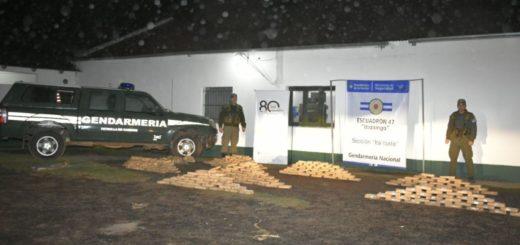 La GN decomisó más de 300 kilos de marihuana acopiados en la costa correntina