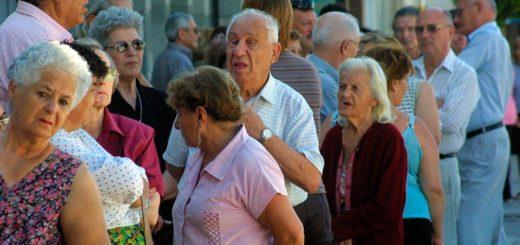 Aumento salarial: suben este mes 100 pesos los haberes de más de un millón de jubilados