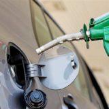 Suba de combustibles: estacioneros indican que cayeron las ventas y no descartan que para fin de año el precio de la nafta alcance los 40 pesos