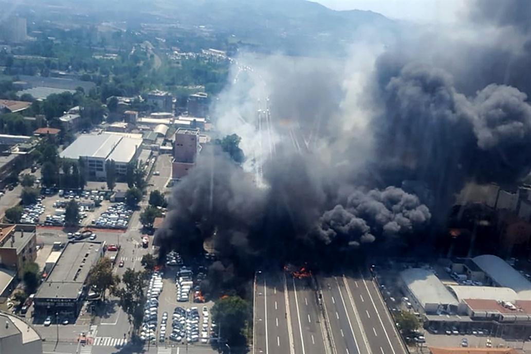 Fuerte explosión cerca de un aeropuerto en Italia: al menos dos muertos y decenas de heridos