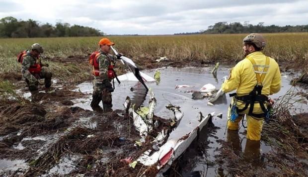 Paraguay: terminaron de retirar los restos de la avioneta accidentada y el lunes comenzaría el peritaje para determinar las causas del siniestro