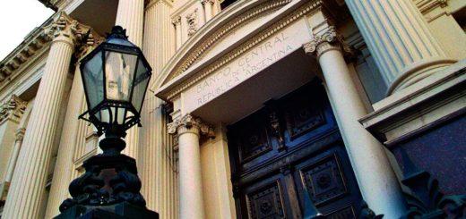 El Banco Central intenta frenar el dólar: aumentó la tasa un 60%