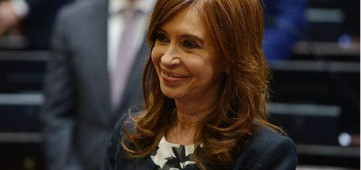 En medio del escándalo de los cuadernos de las coimas, el PJ salió a respaldar a Cristina Kirchner