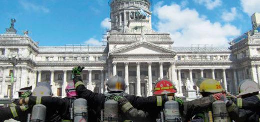 """Bomberos Voluntarios de todo el país realizarán un """"sirenazo"""" en el Congreso Nacional en defensa del servicio de seguridad que brindan"""