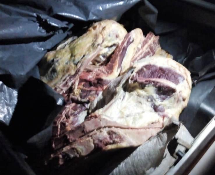 Abigeato: detuvieron a conductor de una camioneta que llevaba carne faenada en Concepción de La Sierra
