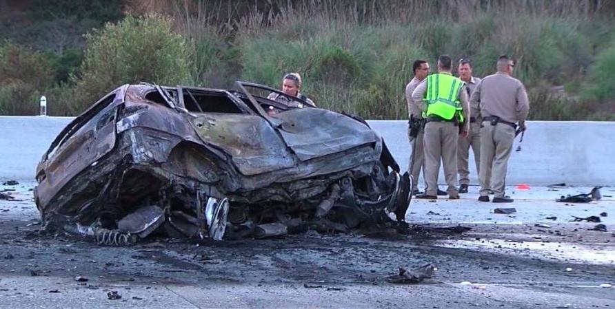 Conducía su auto a contramano a 160 kilómetros por hora y provocó un enorme choque en cadena: mató a una madre y su hija en el camino