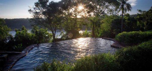 Turismo sostenible en una legendaria posada en Puerto Libertad, con una reserva natural inmersa en magníficos paisajes de la selva misionera y el río Paraná