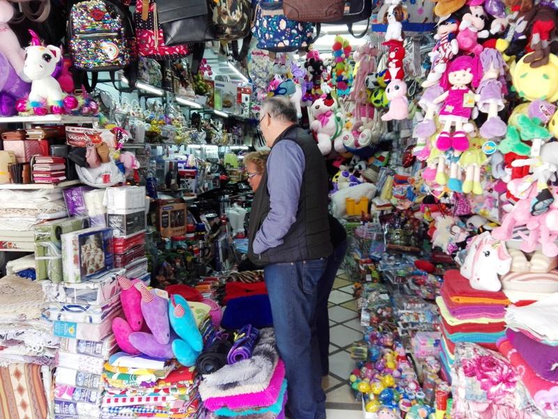 """En su mes aniversario el Mercado Modelo """"La Placita"""" lanzó el """"descuentazo"""" un mes completo con descuentos en todos los rubros"""