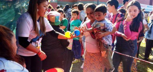 Cerca de mil niños y niñas celebraron su Día en el Polideportivo del Itaembé Miní de Posadas