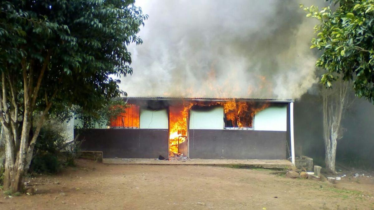 Caá Yarí: enojado porque le prohibieron acercarse a una sobrina de la que habría abusado, quemó su propia casa