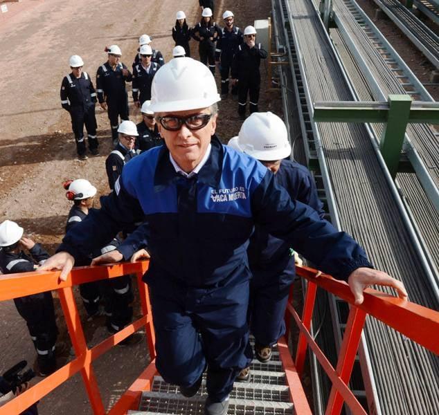 Macri recorrió la planta de procesamiento de gas de Tecpetrol, en Vaca Muerta