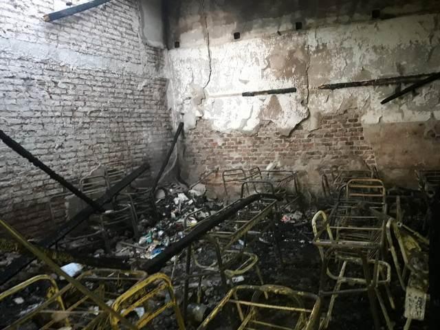 """Unos 700 alumnos de Escuela incendiada en Posadas no pudieron iniciar la jornada escolar, """"el daño que se hizo es altísimo"""", afirmó Maidana"""