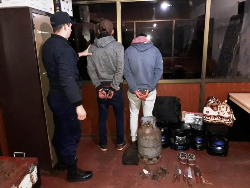 San Vicente: jóvenes terminaron detenidos luego de robar en una vivienda