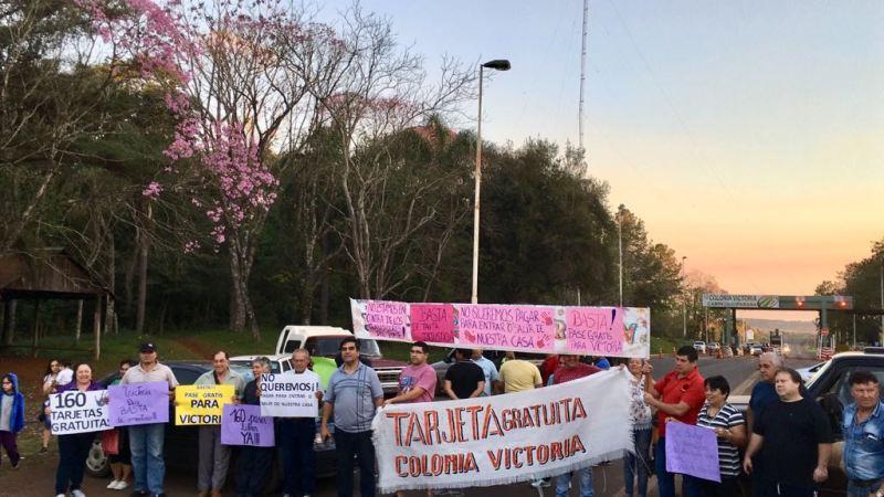 Conflicto en el peaje de Victoria: esta tarde los vecinos analizarán las propuestas hechas por Vialidad Nacional y tomarán una decisión