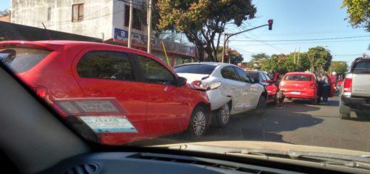 Posadas: choque múltiple involucró a 5 autos en la avenida Francisco de Haro y Chacabuco