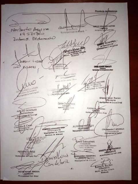 Los 76 intendentes de Misiones firmaron un documento pidiendo se derogue el decreto que elimina el Fondo de la Soja