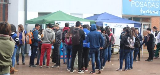 Expo Posadas Ciudad Universitaria: los stands de las instituciones públicas fueron los más consultados por los jóvenes, quienes priorizaron el factor económico