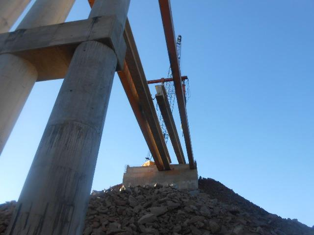 Iniciaron montaje de vigas en el nuevo puente Arroyo Canal Torto en Santa Rita