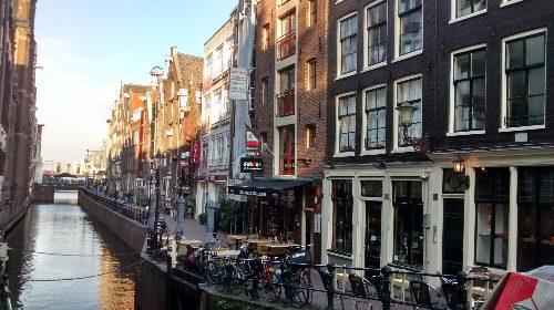 Continúo mi visita por Ámsterdam, acompañada de un mate