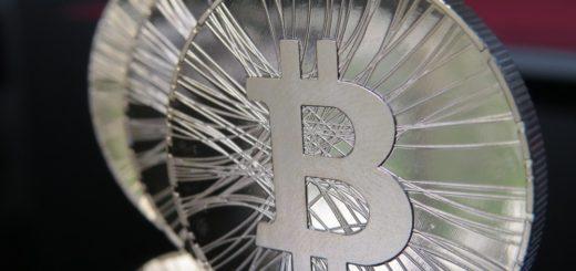 """El Premio Nobel de Economía pide regulación sobre el Bitcoin: """"es incongruente pretender construir un sistema bancario y financiero transparente si se mantiene anonimato transaccional"""""""