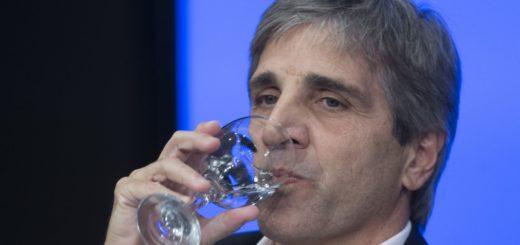 Video: Insultaron a Luis Caputo en un restaurant de Buenos Aires
