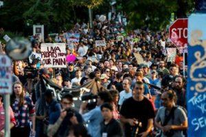 Estados Unidos: a un año de la tragedia en Charlottesville, macharon para recordar a las víctimas