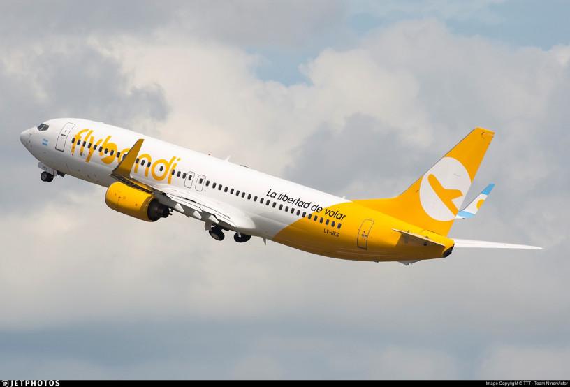 Un avión de Flybondi debió volver al aeropuerto después de media hora de haber despegado a raíz de una falla