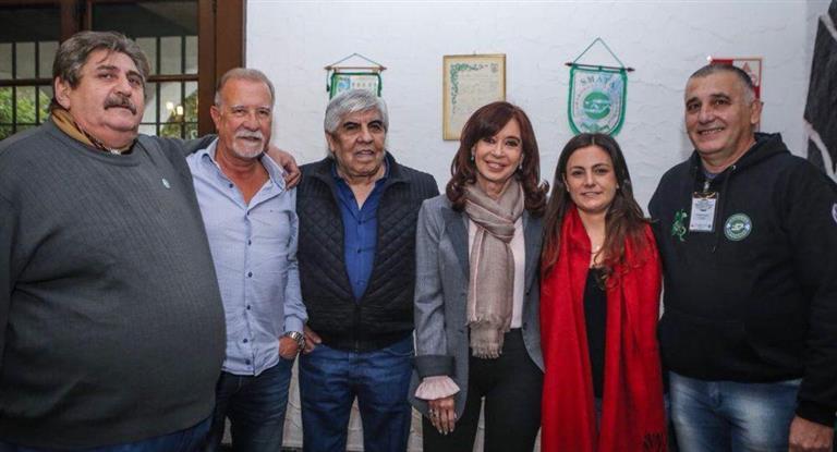 """Hugo Moyano, tras el encuentro con Cristina Kirchner: """"la política de este Gobierno nos acercó"""""""