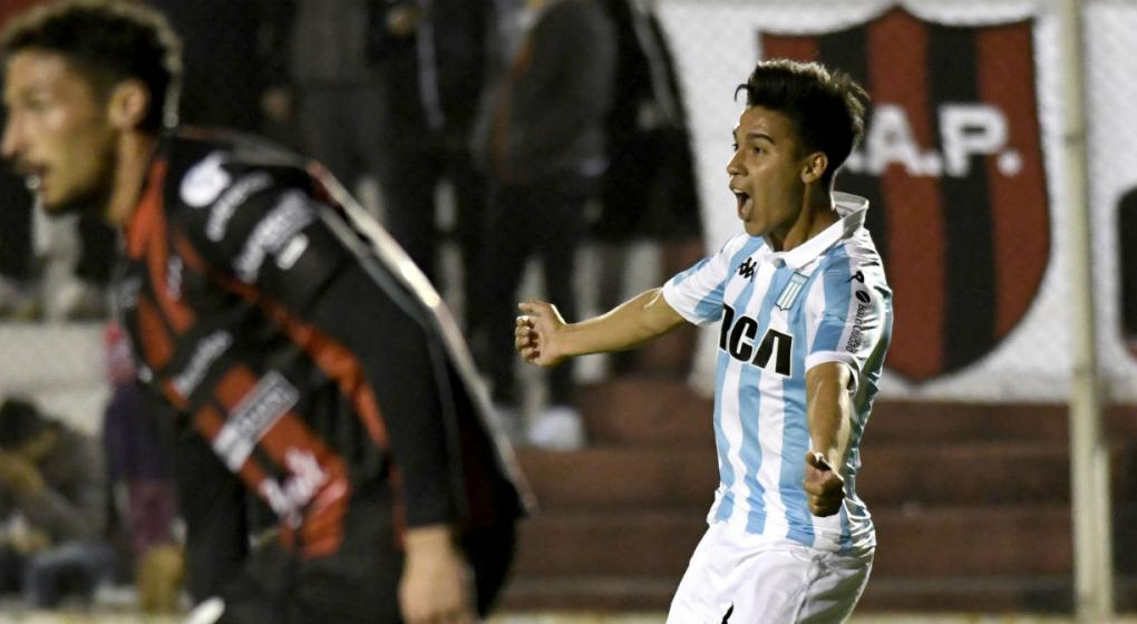 Racing goleó a Patronato y es puntero de la Superliga