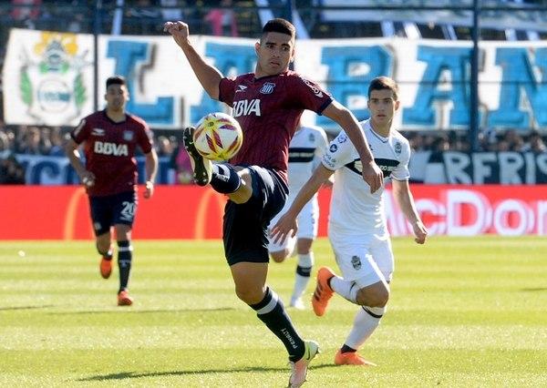 Superliga: Como visitante, Talleres venció a Gimnasia