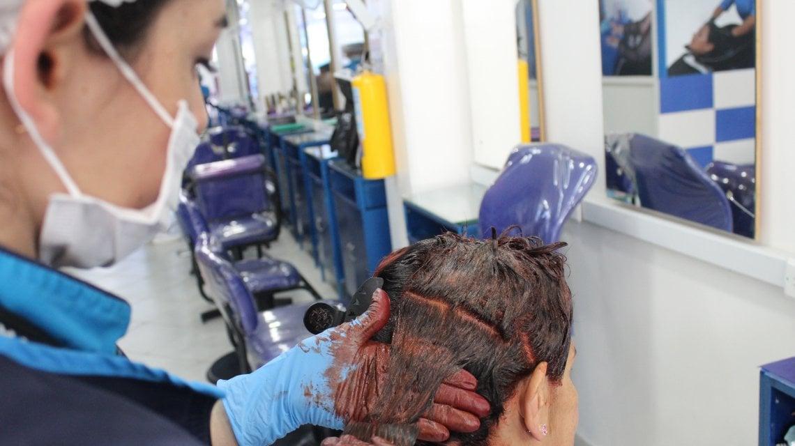 La Anmat ordenó sacar de circulación una marca de productos para el pelo: «Son un riesgo para la salud»