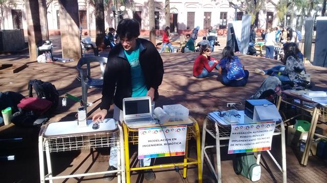 Gran éxito de una nueva edición de la Kermés Científica en la Plaza 9 de Julio