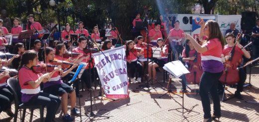 """Comenzó con gran éxito el """"Festival de las dos Orillas"""" en Posadas"""