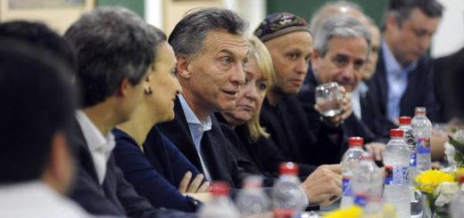 El presidente Macri eliminaría diez ministerios entre los que están Salud, Ciencia, Turismo, Agroindustria y Trabajo